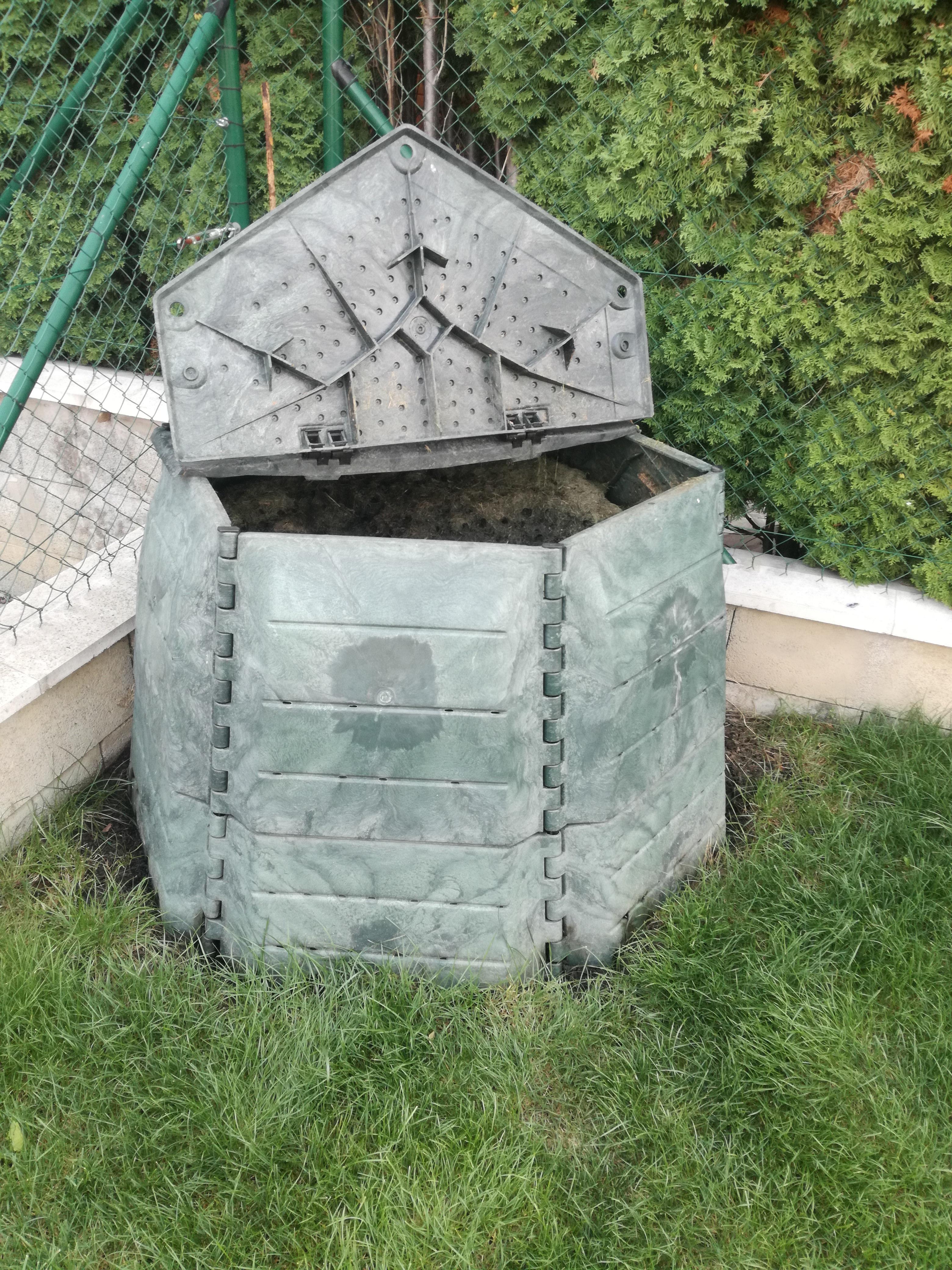 Kam umiestniť kompostér. Ktoré miesto vzáhrade je najvhodnejšie na kompostovanie?